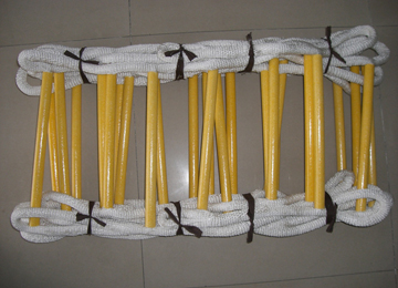 Fire fighting soft nylon folding ladder