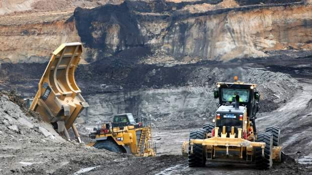 Coal Mines Asked to Accelerate Output Boost and Stabilize Prices
