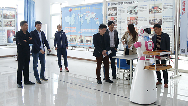 Warmly Welcome Merchants from Xuzhou to China Coal Group for Purchasing Intelligent Robots