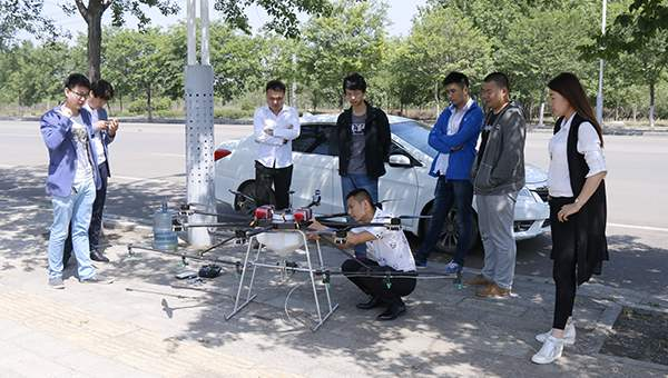 Warmly Welcome Merchants of Akesu Xinjiang to Visit China Coal Group for Purchasing Agricultural UAV