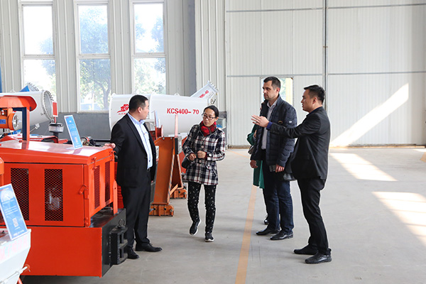 Warmly Welcome Ukrainian Merchants to Visit China Coal Group for Self Rescuer Procurement