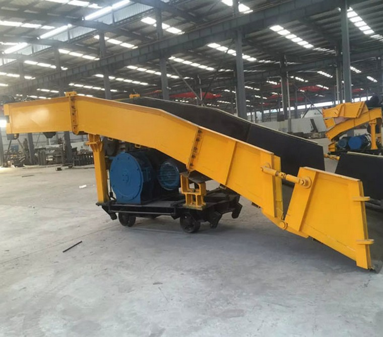 P60B Scraper Rock Loader