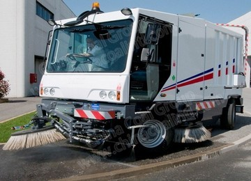 SDZ5168TSL Road Sweeper