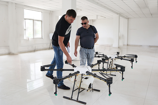 Warmly Welcome Ukrainian Merchants To Visit China Coal Group For Purchase Agriculture Drone