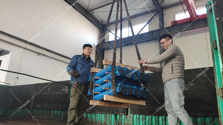 A Batch Of Hydraulic Prop Of China Coal Group Are Sent To Sichuan Province