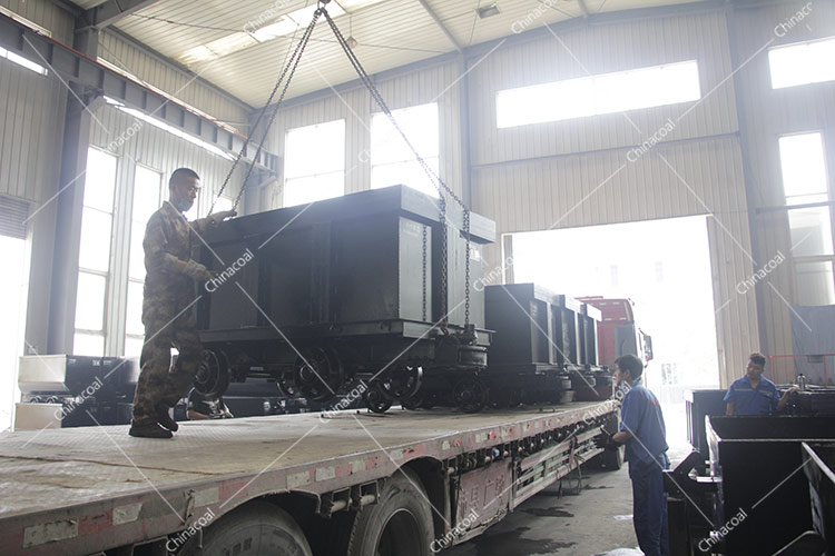 China Coal Group A Number Of Hydraulic Props, Flat Cars Have Been Delivered