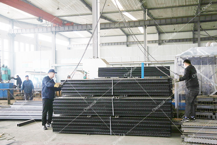 China Coal Group Sent A Batch Of Metal Roof Beams To Liupanshui, Guizhou Province