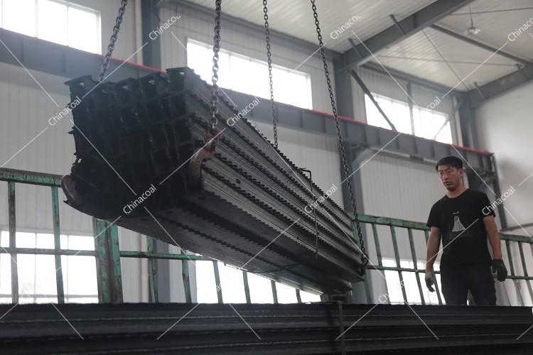 China Coal Group Sent A Batch Of Metal Roof Beams To Dalian Port