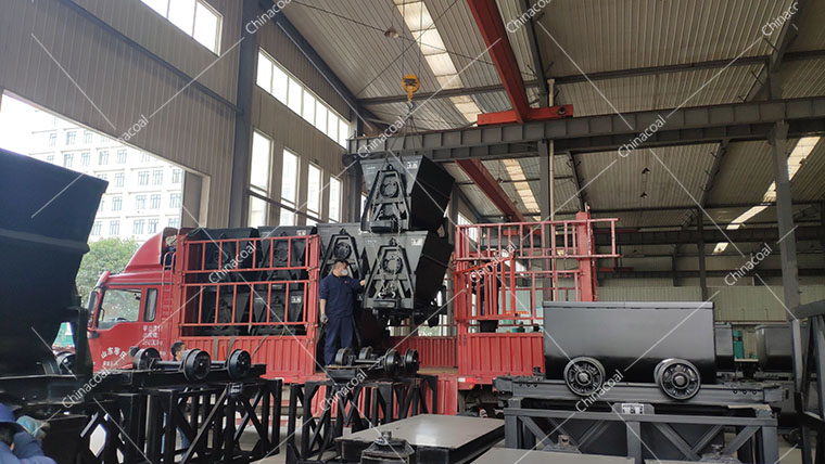 China Coal Group Sent A Batch Of Bucket-tipping Mine Car To Zaozhuang City