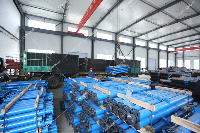 China Coal Group Sent A Batch Of Mining Single Hydraulic Props To Lanzhou, Gansu