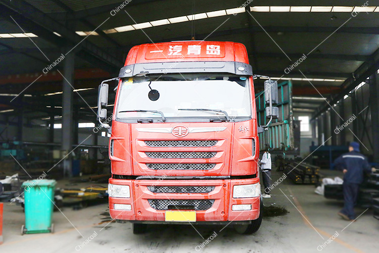 China Coal Group Send A Batch Of Mining Flatbed Trucks To Yan'An, Shaanxi Province