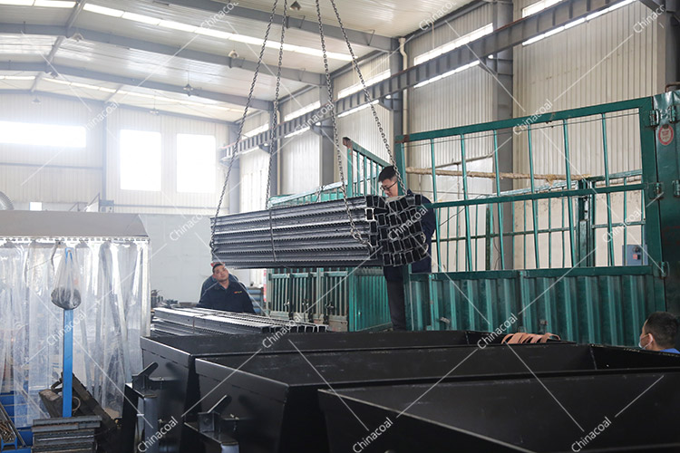 China Coal Group Sent A Batch Of Metal Roof Beams To Yunnan Province