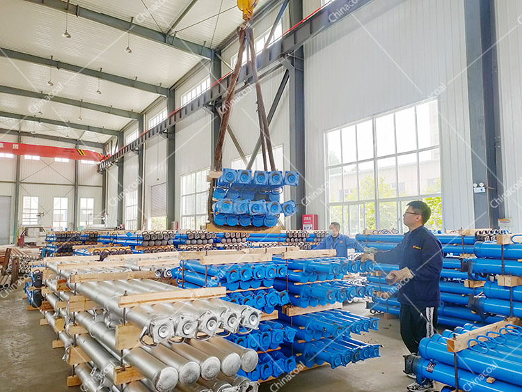 China Coal Group Sent A Batch Of Hydraulic Props, Mining Cars And Material Cars To The Three Provinces
