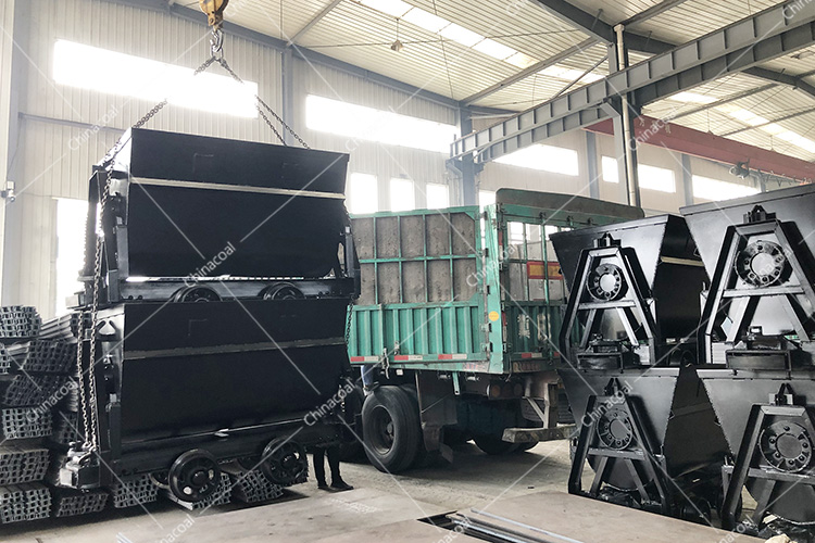 China Coal Group Sent A Batch Of Bucket-Tipping Mine Cars To Taiyuan, Shanxi