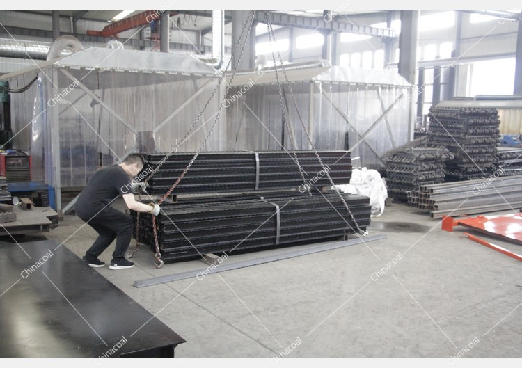 China Coal Group Sent A Batch Of Metal Roof Beams To Shaanxi Province