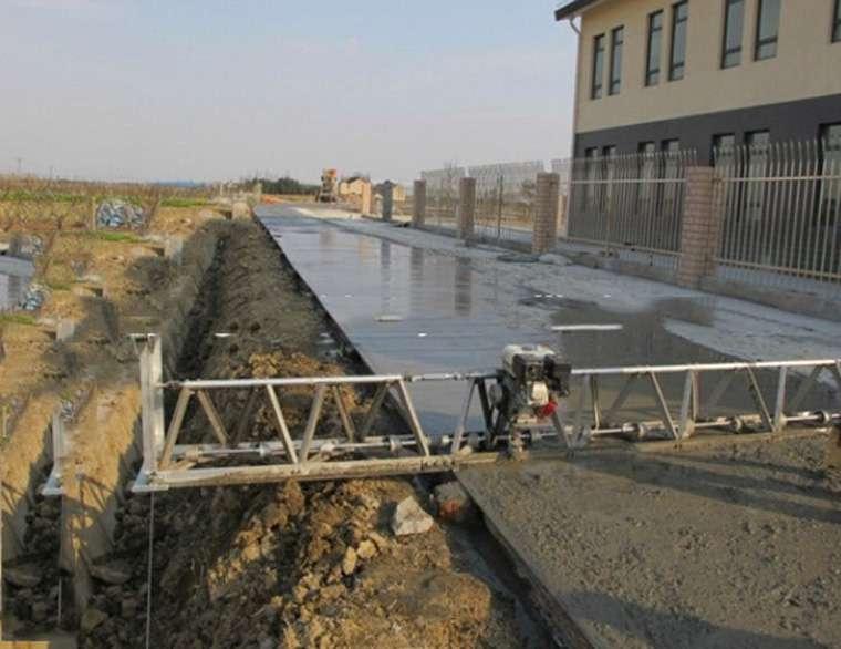 track paving preheating